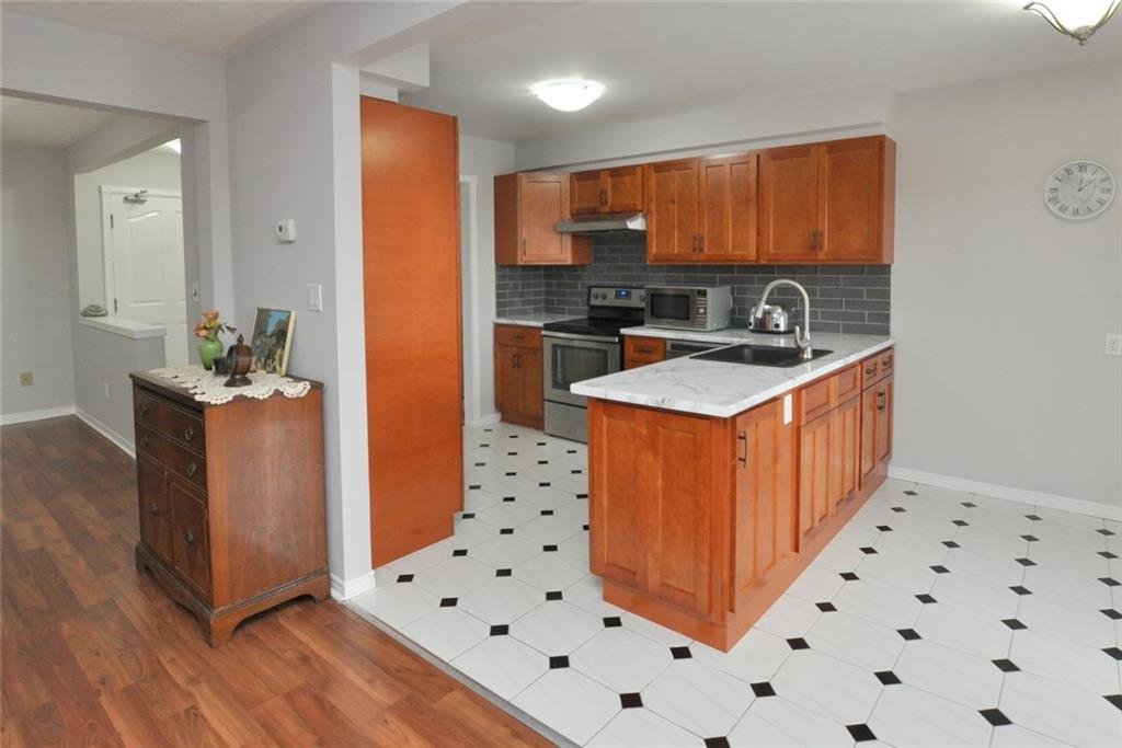 61-3050 Pinemeadow Drive - Kitchen