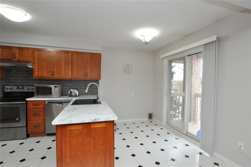 61-3050 Pinemeadow Drive - Eat-In Kitchen