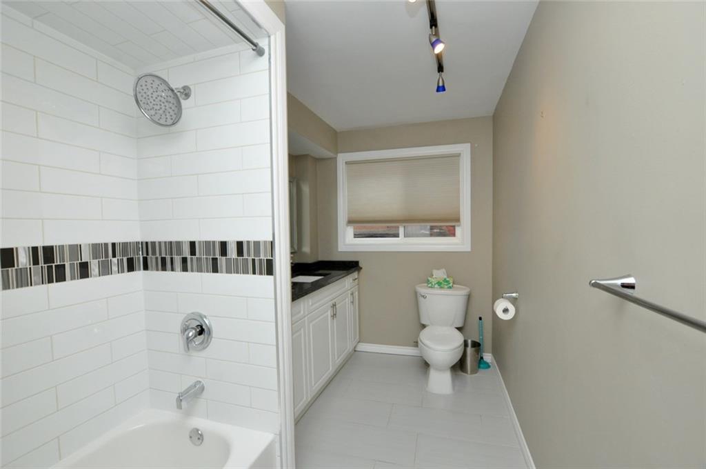 57 Fullerton Avenue - 4-Piece Bathroom