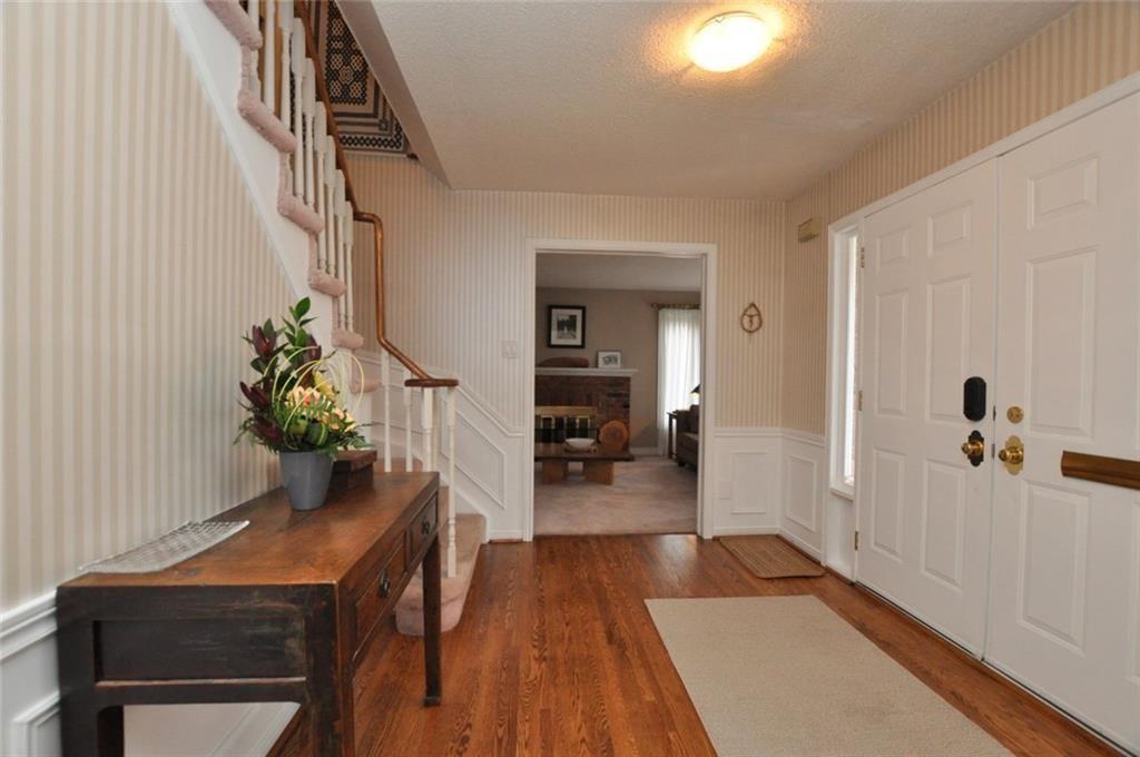 241 Lloyminn Avenue - Foyer