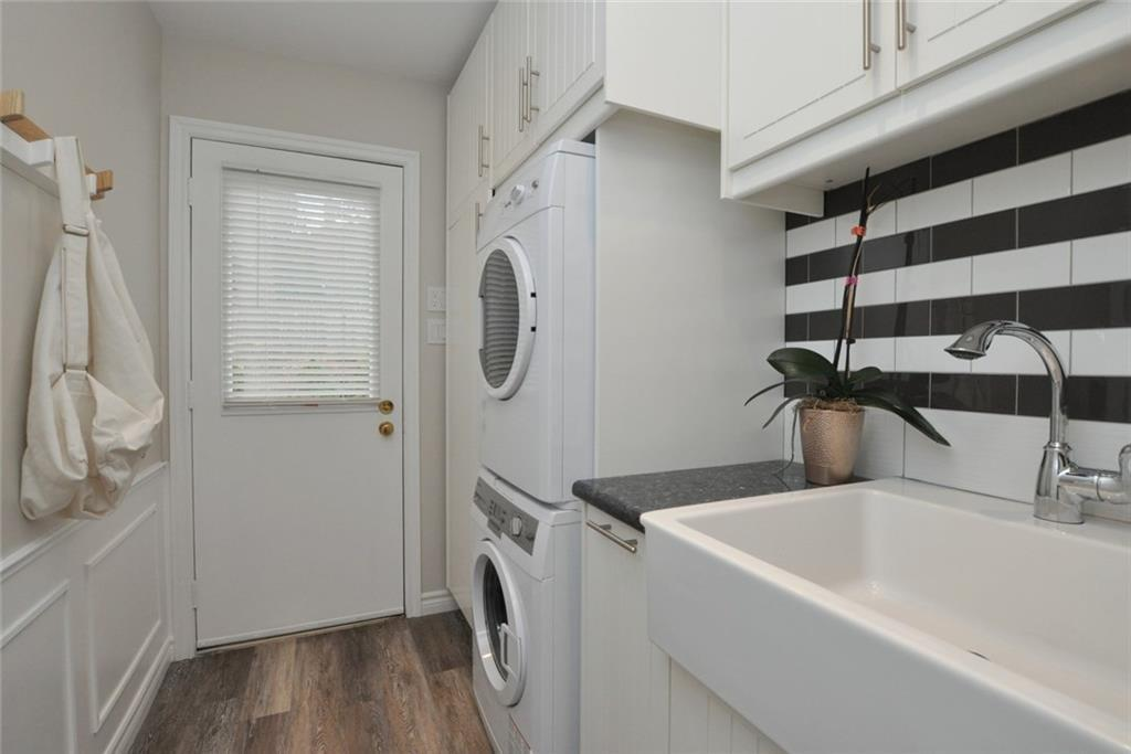 241 Lloyminn Avenue - Main Floor Laundry Room